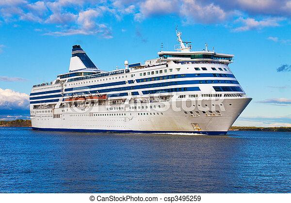 Big cruise liner - csp3495259