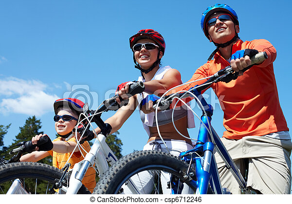 Family on bicycles - csp6712246