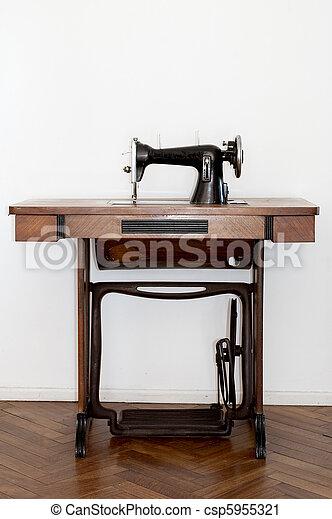 Old sewing machine - csp5955321