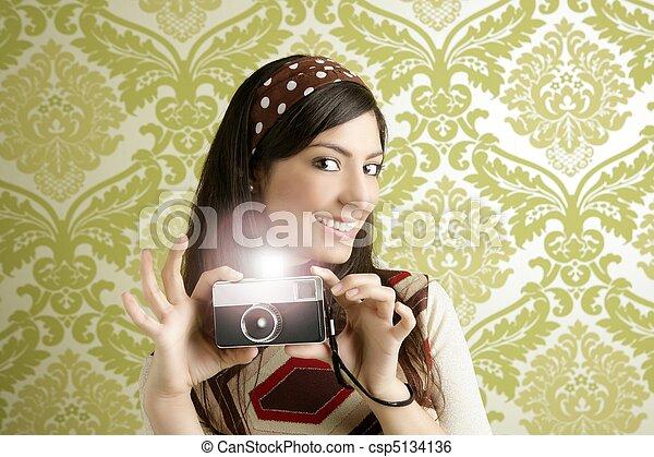 Retro photo camera woman green sixties wallpaper - csp5134136